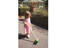 Záhradný metlička s dlhou násadou Bigjigs Toys Zelená