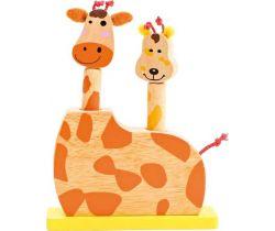 Detská drevená hra skákacie žirafie hlavy Small Foot